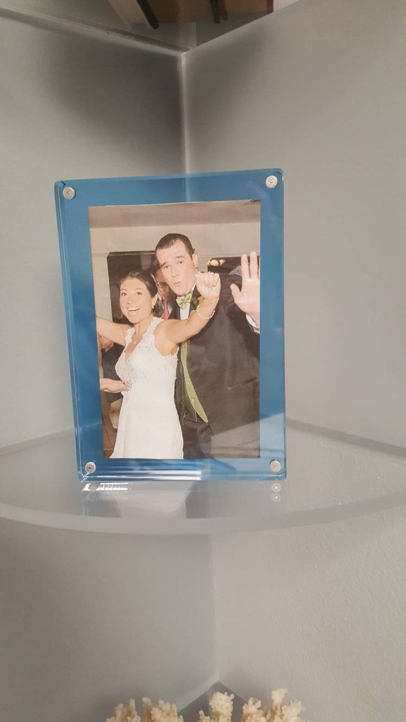 Acrylic Gift Idea ClearTransparent Blue Home Decor Lucite Picture Frame Magnetic Photo Frame 5 x 7 Photo Home  Accessory