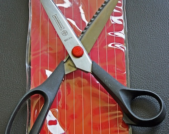 Pinking Shears by Mundial 8.5 Inch Pinking Scissors Precision Cutting Shears Excellent Pre-Owned Condition