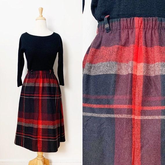 1970s / 70s Vintage Plaid Tartan A-Line Skirt / Sm