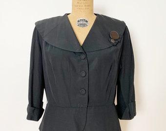1940s / 1950s Black Peplum Jacket with Oversized Collar / Large