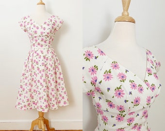 1950s / 50s Vintage Pink Floral Linen Fit and Flare Dress / Extra Small XS