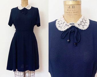 1930s / 1940s Vintage Navy Rayon Dress with Lace Collar / Large / Extra Large