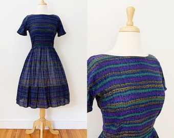 1950s / 50s Vintage Cotton Stripe Print Fit and Flare Dress / Small