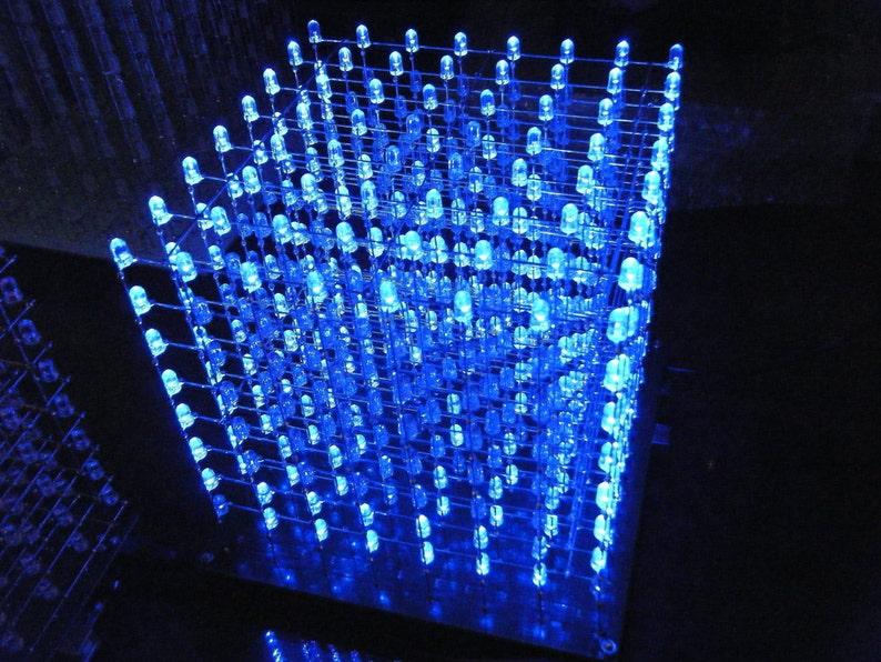 8 x 8 x 8 LED Cube image 0