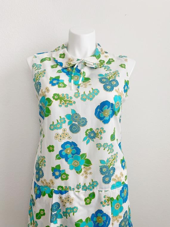 1960s Plus Size Sleeveless Floral Romper // 60s v… - image 2