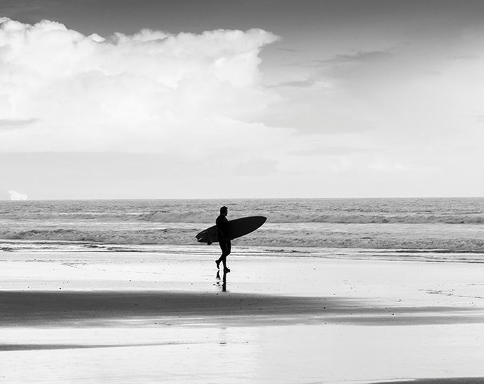 BLACK AND WHITE Surf Print