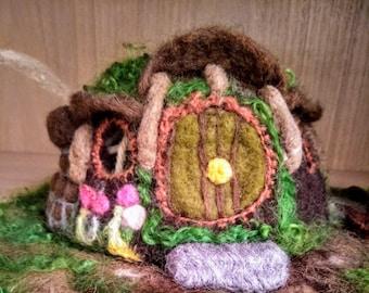 Hobbit house,Hobbit home,Bilbo Baggins,needle felted Hobbit house,decoration, needle felted playscape