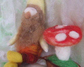 Needle felted Gnome,Waldorf Gnome,Autumn Nature Table