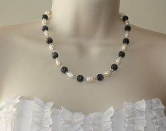 Freshwater Pearl Necklace / Black and White Necklace/ Cat's Eye Glass Necklace / Swarovski Crystal Necklace / Beautiful Necklace