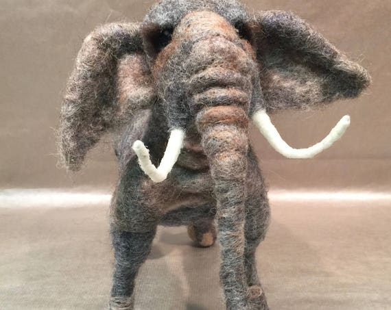 Needle felted elephant, elephant sculpture, elephant figurine, elephant art, Waldorf inspired, Indian elephant, Indian ornament, Indian deco