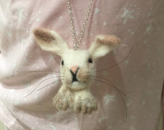 Needle felted Easter bunny, felted Easter rabbit, bunny ornament, rabbit ornament, wool bunny, wool rabbit, bunny pendant, bunny necklace