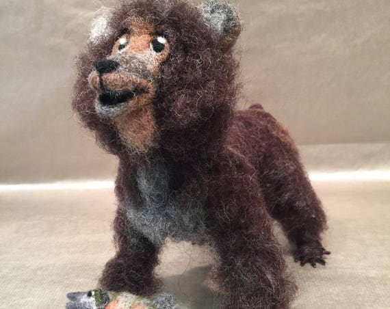 Needle felted bear, bear figurine, bear sculpture, grizzly bear, felted bear ornament, bear doll, Waldorf animal, woodland animal, taxidermy