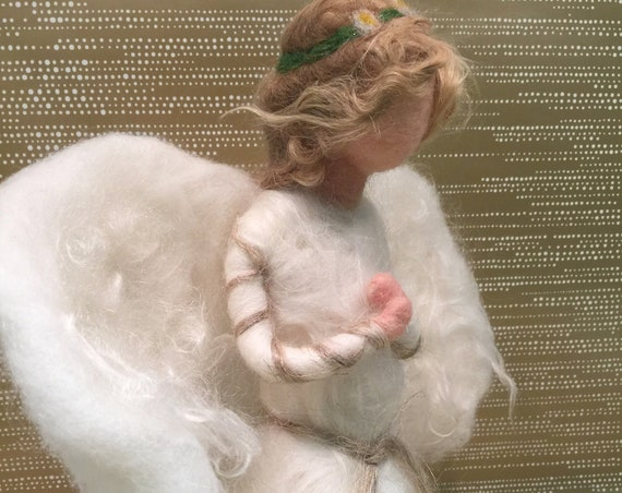 Needle felted topper, Christmas tree topper, angel tree topper, needle felted angel, felted Waldorf angel, felted Waldorf topper, Xmas