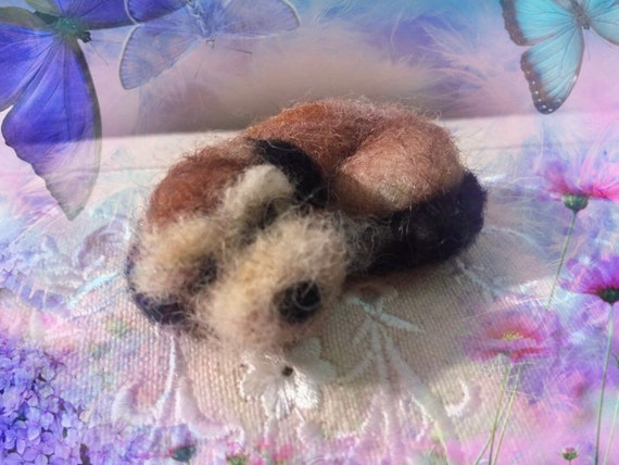 Needle felted dog brooch, sleeping dog brooch, wool dog brooch, dog ornament, felted dog sculpture, felted dog figurine,dog doll, dog art
