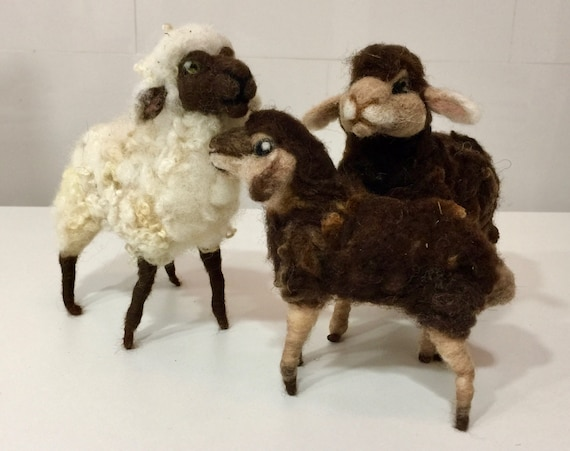 Needle felted sheep, Easter felted, wool sheep, Easter decor, Easter ornament, Easter animal, needle felted lamb, needle felted animal