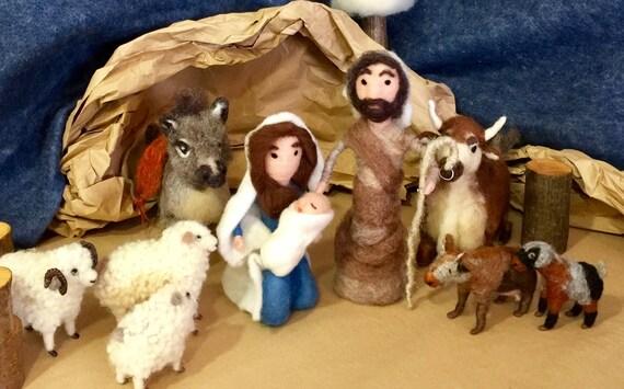 Nativity scene set, Waldorf nativity, needle felted nativity, felted nativity dolls, felted baby Jesus, felted Virgen Mary and felted Joseph