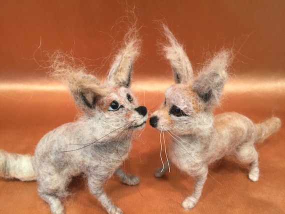 Needle felted fennec fox, fennec sculpture, fennec figurine, fennec doll art, desert animals, fennec ornament, fennec lovers, fennec decor