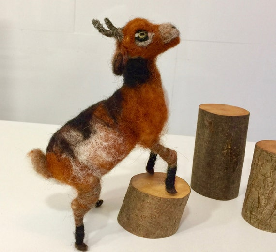Needle felted goat, wool goat, goat figurine, goat sculpture, goat ornament, goat doll, Waldorf animal, felted farm animal, Waldorf goat
