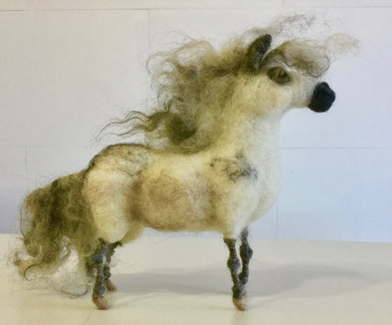 Needle felted pony, wool pony, pony sculpture, pony figurine, pony ornament, pony doll, felted farm animal, Waldorf animal, felted shetland