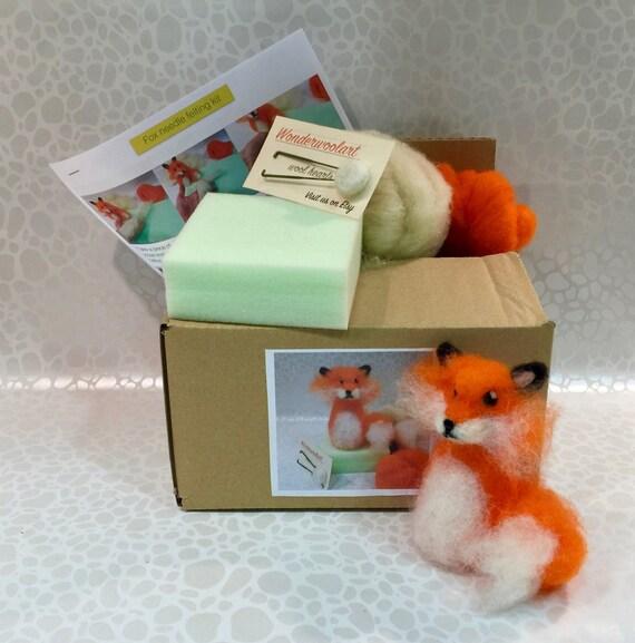 Fox needle felting kit, fox DIY kit, woodland needle felting kit, forest  needle felting kit, needle felting kit, Waldorf kit, fox doll, fox