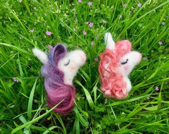 Needle felted unicorn brooch, felted unicorn, felted unicorn art, unicorn lovers, needle felted unicorn ornament, felted unicorn doll, wool