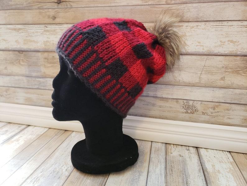 a733209102f98 LOOM Knitting Pattern Toasty Buffalo Hat   Buffalo Plaid