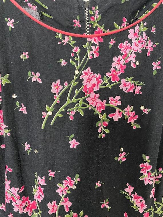 Vintage 1950s Novelty Black Floral Cotton Sundres… - image 2