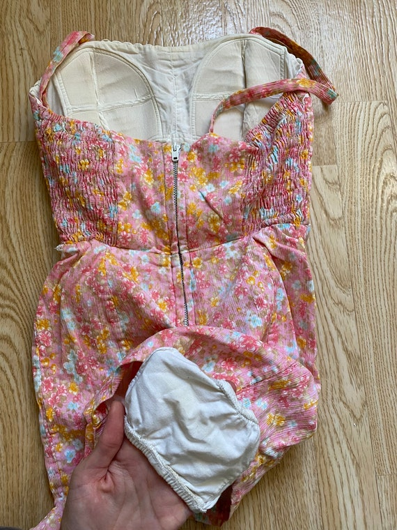 Vintage 1950s Floral Romper Playsuit Cotton Swims… - image 7