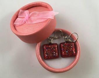 Red sparkling hoop earings