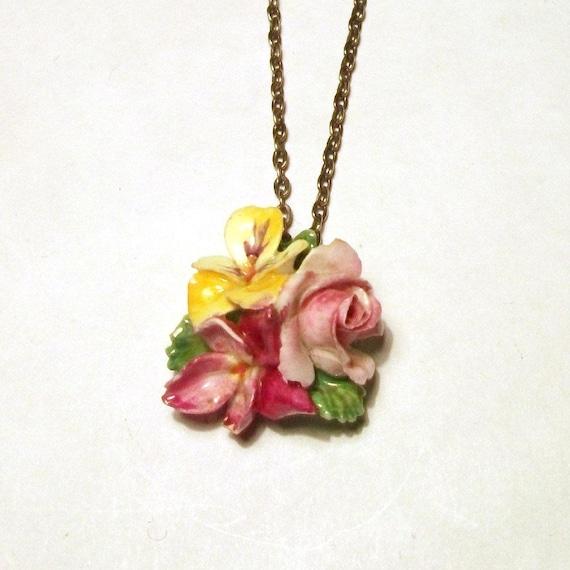 Porcelain Flower Pendant 1930s 40s Vintage Staffo… - image 2