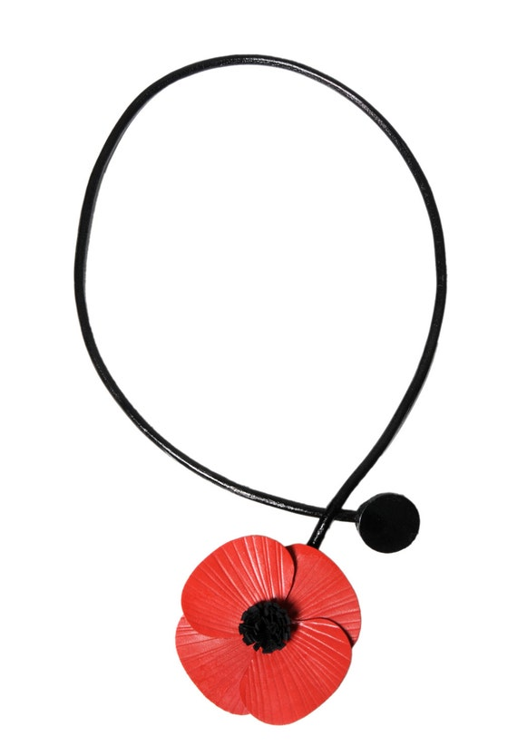 Flower necklace poppy in bloom on 3 cords leather cowhide leather
