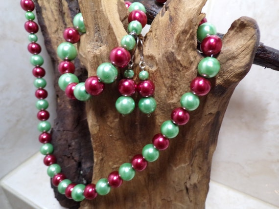 Pistachio & Cherry Red Glass Pearl suite