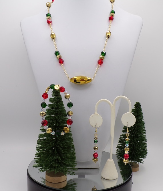 Cheerful Christmas Jewelry