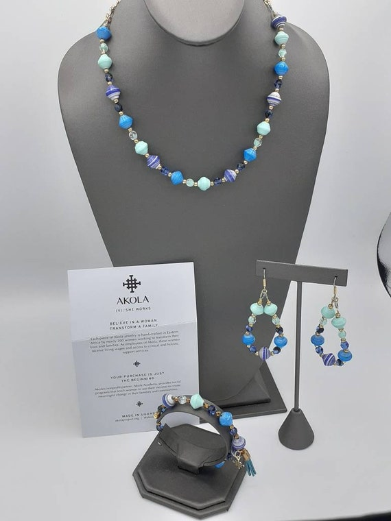 AKOLA beaded 3pc jewelry suite in shades of blue