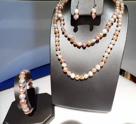3 feet of Multicolored Freshwater Pearls with matching earrings and bracelet