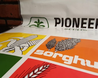 Pioneer Seed Corn Company Heavy Duty Plastic Storage Bag New Vintage Collectible Advertisement Thick Stowaway Sack Product Holder Carrier