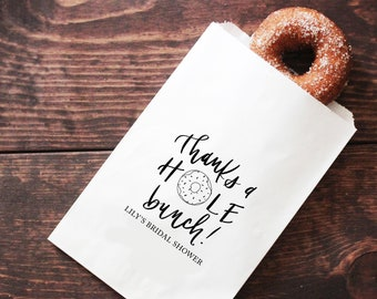 649c9ed58efc Donut Favor Bags - Donut Party Favor Bags - Donut Themed Bridal Shower  Donut Bags - Thanks a Hole Bunch - Wedding Shower Donut Treat Bags