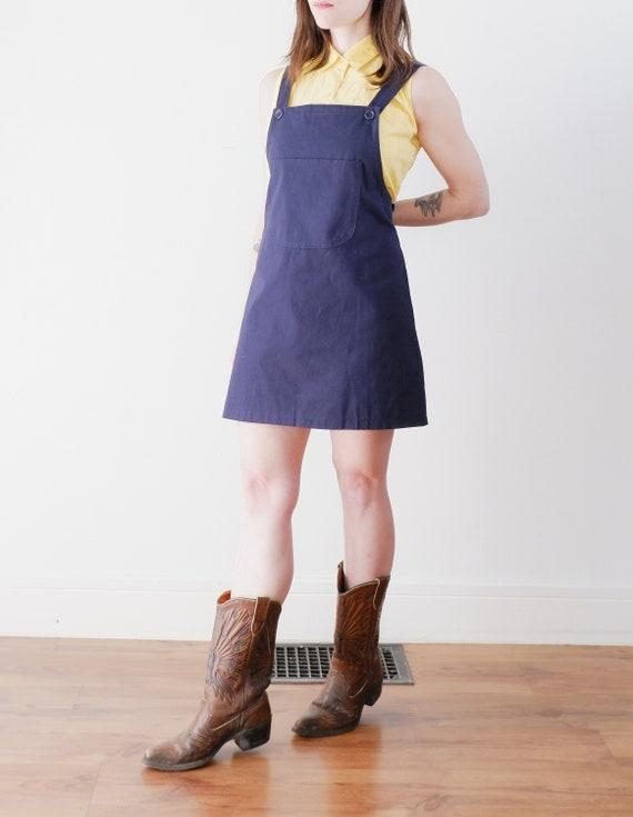 red bandana print front pocket Bright blue apron