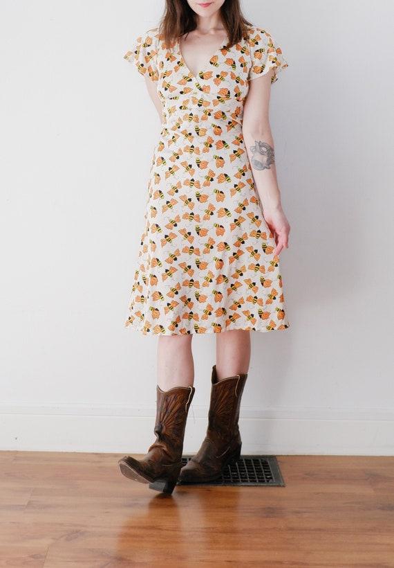 1970's Bee Print Summer Dress / Vintage Open Back