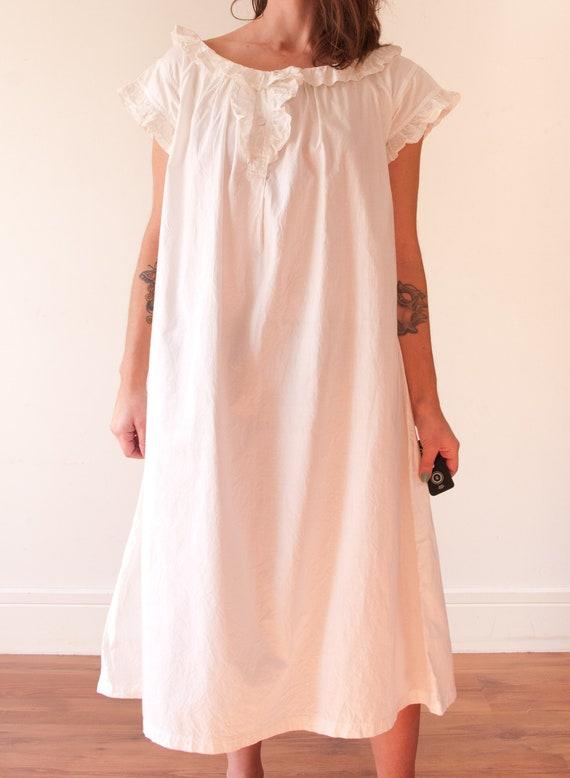 1920's White Cotton Night Gown / Vintage Linen Nig