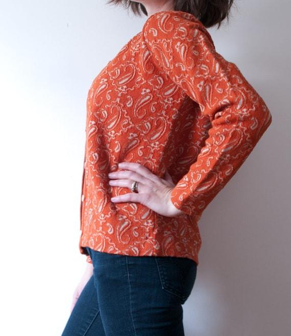 Vintage Orange Paisley Print Cardigan / 1960's Wo… - image 4