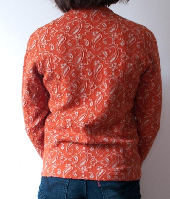 Vintage Orange Paisley Print Cardigan / 1960's Wo… - image 9
