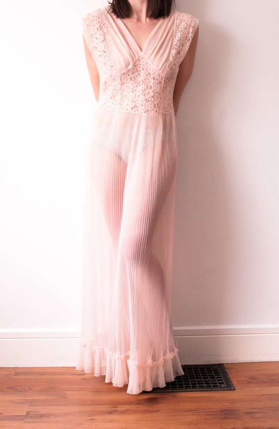 1950's Sheer Pink Nightgown / Vintage Lace Crepe S