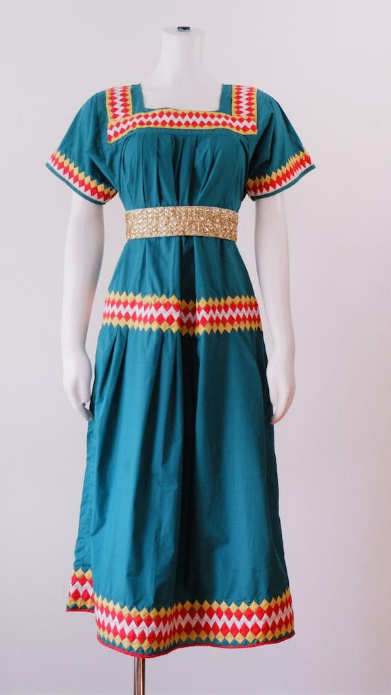 Vintage Green Sun Dress / 1970's Square Neck Pleat