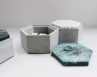 THE ROCK hexagon concrete box with Emerald marble lid / Jewelry box / Minimalist Home Decor
