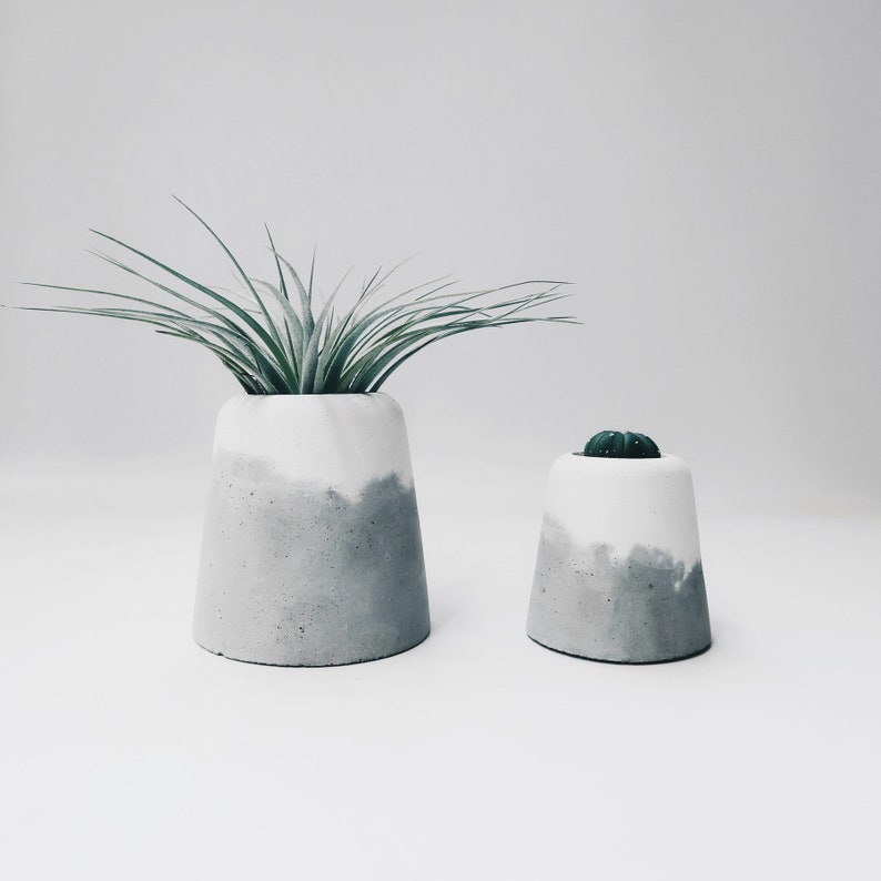 SNOW VOLCAN two layers concrete vase / toothbrush holder/ pot image 0