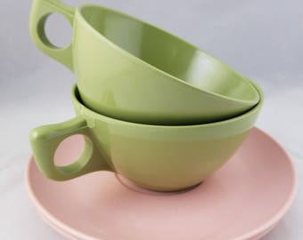 Vintage Melmac Stain Resistant Coffee Cups-Windsor Melmac Saucers-Mid Century Design Retro Green and Pink Color - Mid Century Melmac