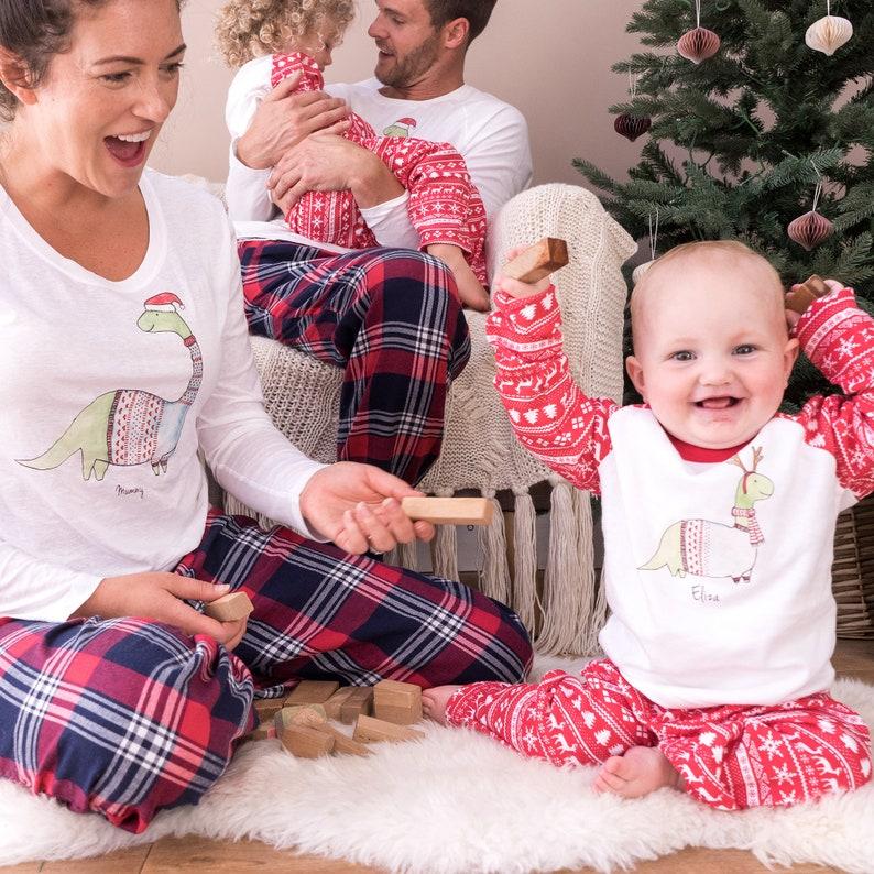 Weihnachten Pyjama Familie.Familie Weihnachten Pyjama Familie Pyjama Passende Familie Dinosaurier Pyjama Personalisierte Weihnachts Pyjama Heiligabend Pyjama