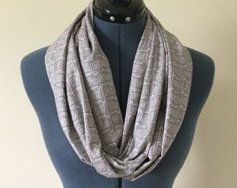 Periodic Table Infinity Scarf / Grey and White / Scarf / Periodic Table / Elements / Science / Teacher / Chemistry / Infinity Scarf / Nerd