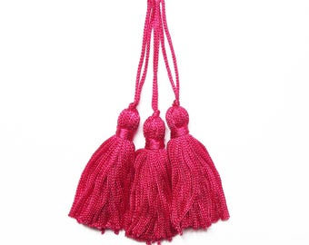 3 tassels pink fuchsia wire 55 mm (100mm with bail) / premium quality